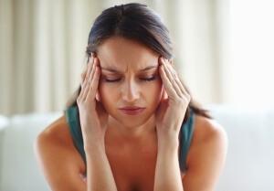 Лечение шейного остеохондроза включает в себя ряд методик