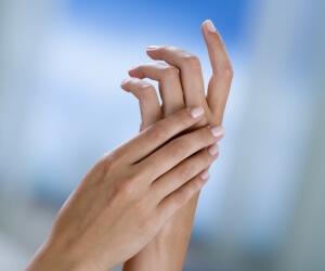 Важно избежать осложнений после получения ушиба пальца