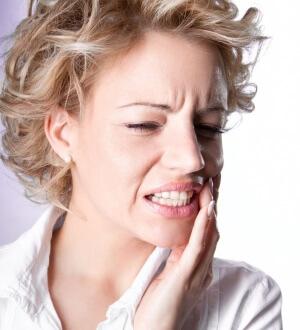 При отбеливании увеличивается чувствительность зубов