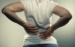 От болей в спине страдают многие люди