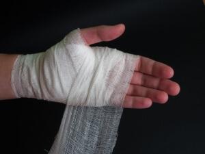 Пальцы в гипсе теряют свою подвижность