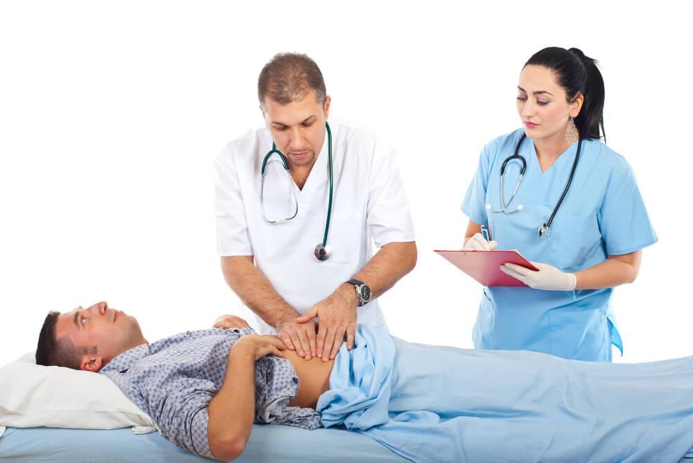 Пациенту нужно посетить врача-гастроэнтеролога