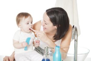 Родители должны знать порядок прорезывания зубов у детей
