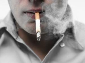 Курение способно спровоцировать недуг