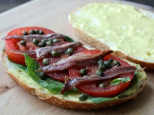 Бутерброд с хамсой