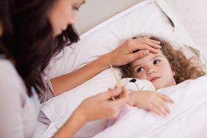 Симптомы простуды у грудничка: причины и особенности лечения