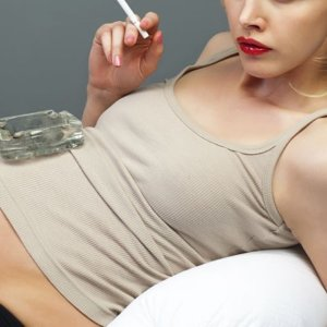 Курение беременной