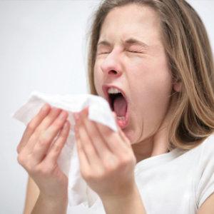 Постоянный насморк и чихание: причины и особенности лечения