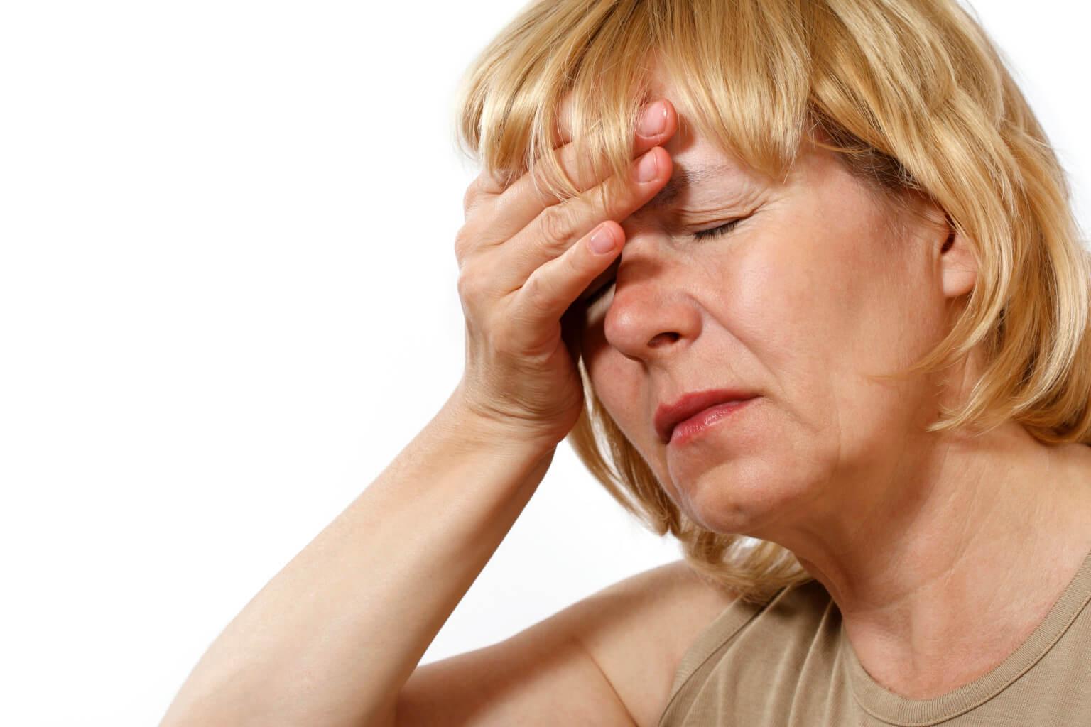 Приливы в голове головокружение слабость