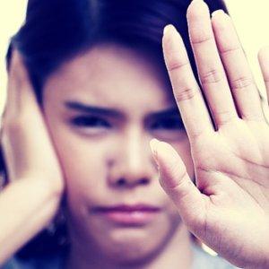 Шум в правом ухе: причины возникновения, последствия патологии