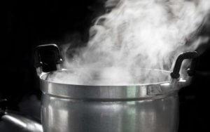 Ожог горячей водой: первая помощь, рекомендации специалистов