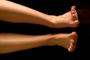 Растяжение ног