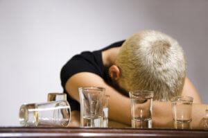 Как снять тягу к алкоголю: причины зависимости, лечебная терапия