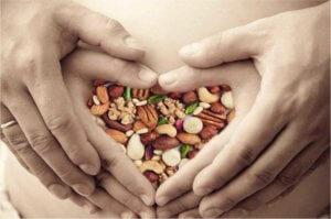 Польза орешков для беременных