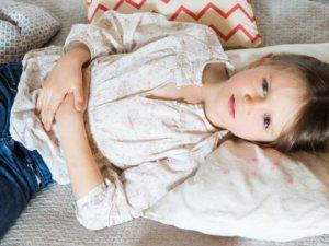 Как проявляется ротавирусная инфекция у детей, отличие от отравления и лечение заболевания
