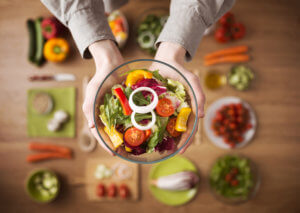 Полезный салат из свежих овощей