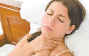 С болью в горле сталкиваются все люди