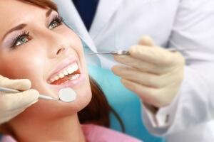 Стоматология изучает болезни зубов и ротовой полости