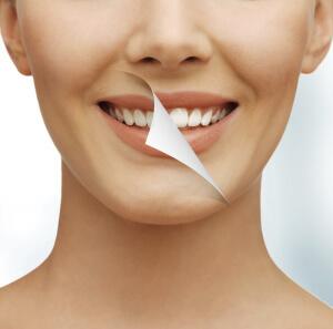 От отбеливании зубов содой можно найти много положительных отзывов