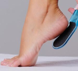 Трещины на пятках могут стать причиной псориаза