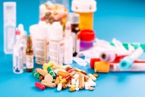 Врачи назначают антибиотики широкого спектра