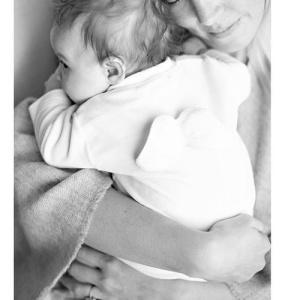 Сыпь у грудничка на лице: причины, диагностика, лечение