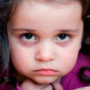 У ребёнка чёрные круги под глазами. Сигнал о вероятных заболеваниях