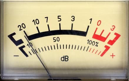 Что измеряется в децибелах, единицы безразмерной, величины относительной, их особенности