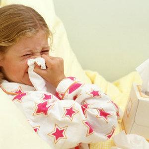 Лечение насморка у детей в домашних условиях при помощи средств и рецептов народной медицины