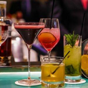 Застолье на носу: что сделать, чтобы не опьянеть от алкоголя