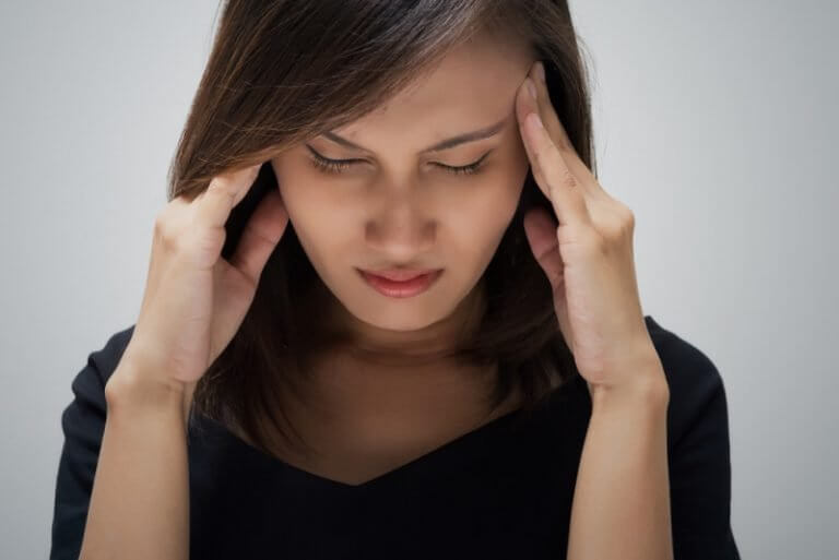 Болит голова при наклоне вниз: давит и болит затылок при движении