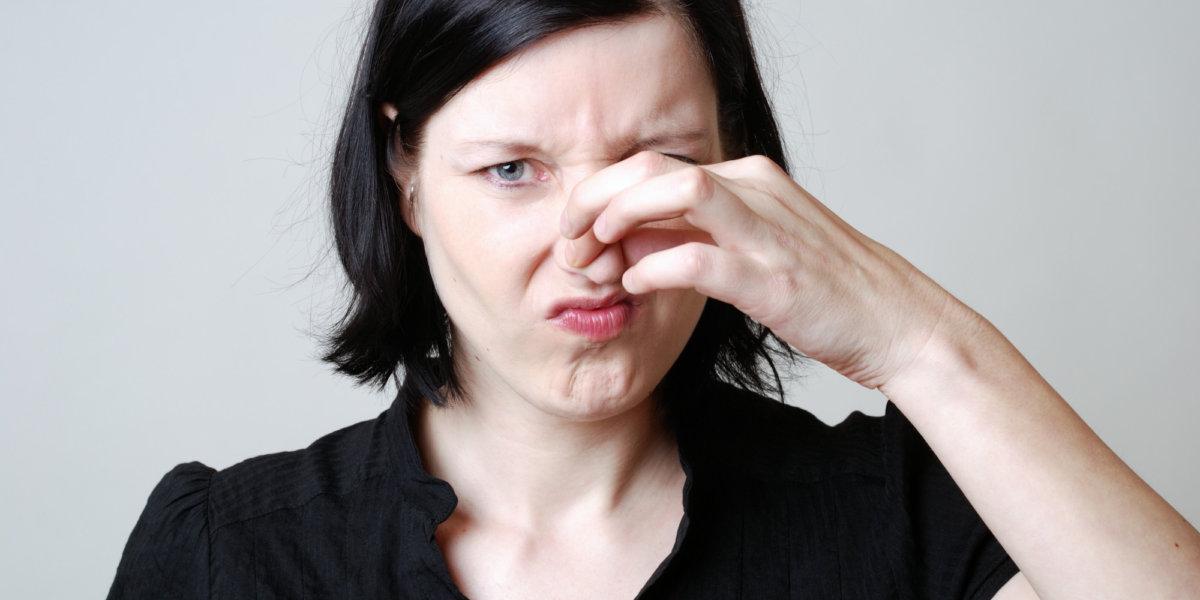 Неприятный запах из влагалища и от члена: основные причины. Как убрать тухлый, гнилостный запах рыбы, лука из влагалища