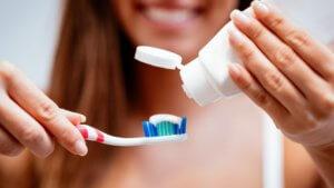 Тщательная гигиена зубов
