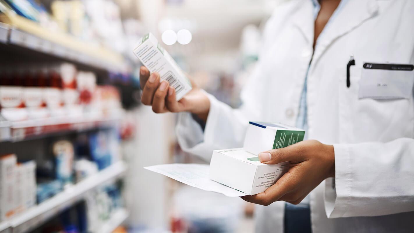 Цена зависят от аптеки и региона