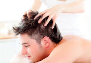 Массаж головы полезен как профилактика против облысения