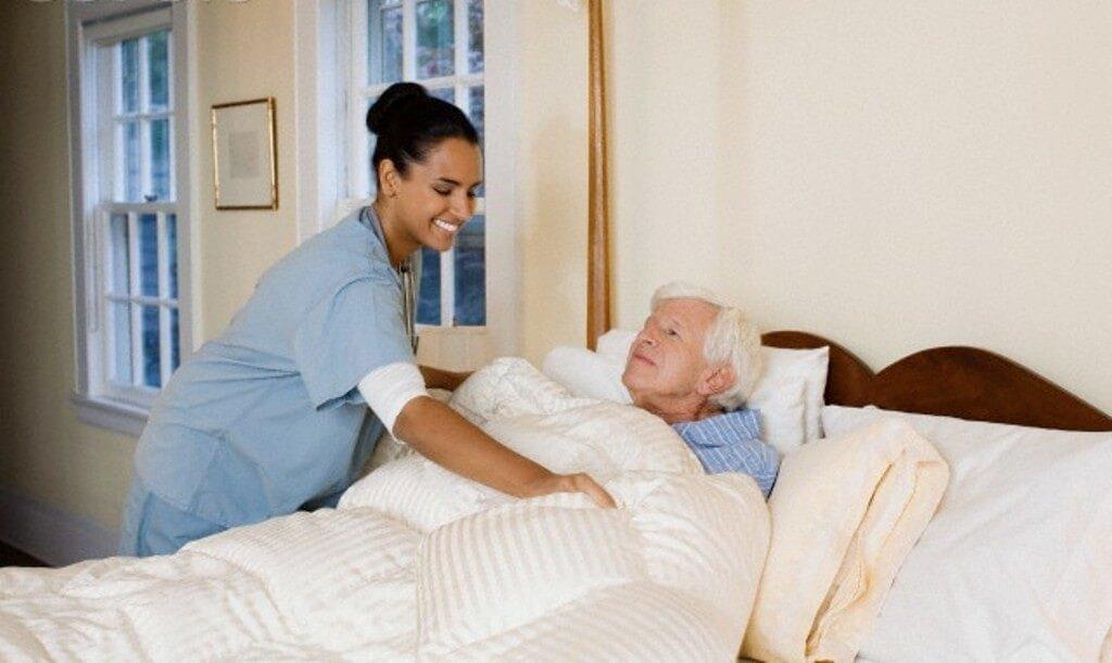 Правильный уход за лежачим пациентом