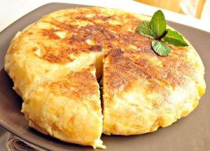 Омлет с картофельным пюре