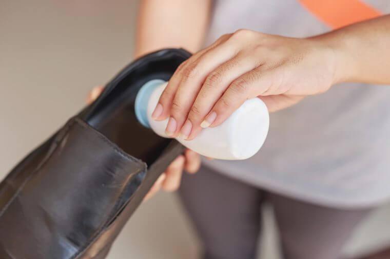 Применение талька в обуви
