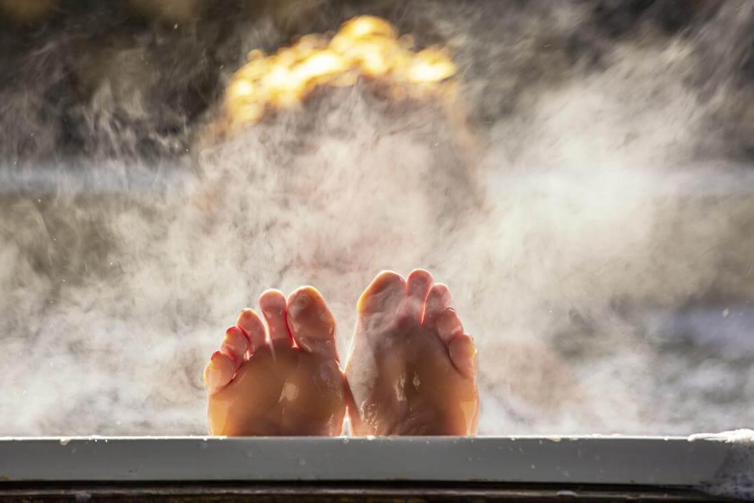 Плюсы горячей ванны